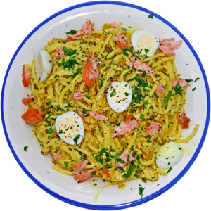 Curried crab and hot smoked salmon spaghetti